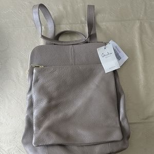 🇨🇦 NWT Giulia Monti leather backpack